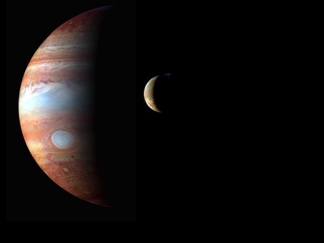 Jupiter a vulkán na Io
