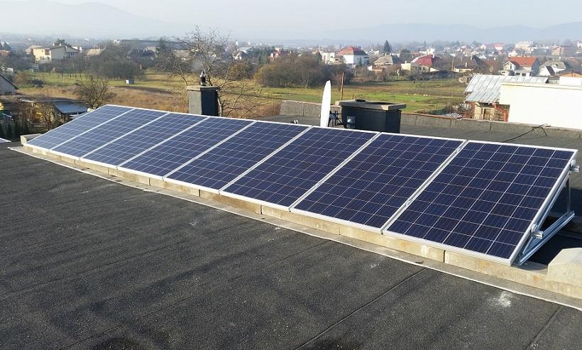 Solárne panely na streche